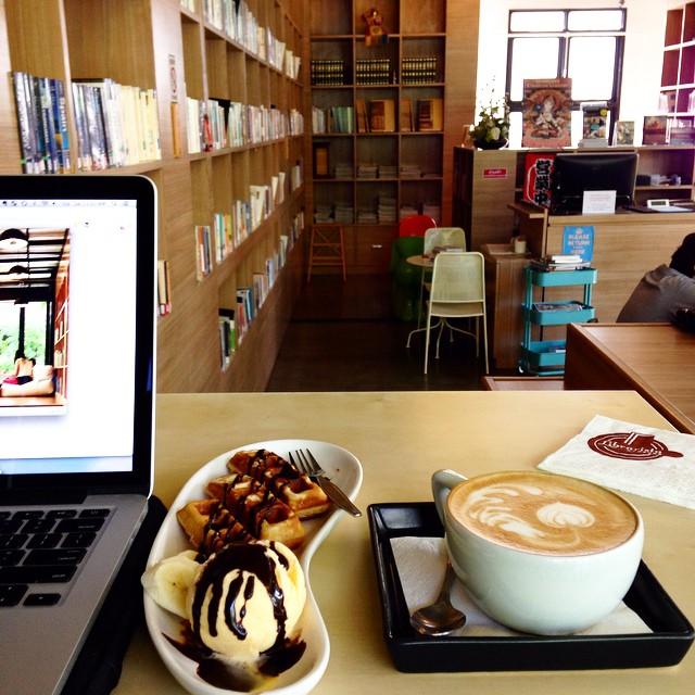 Librarista - library Cafe
