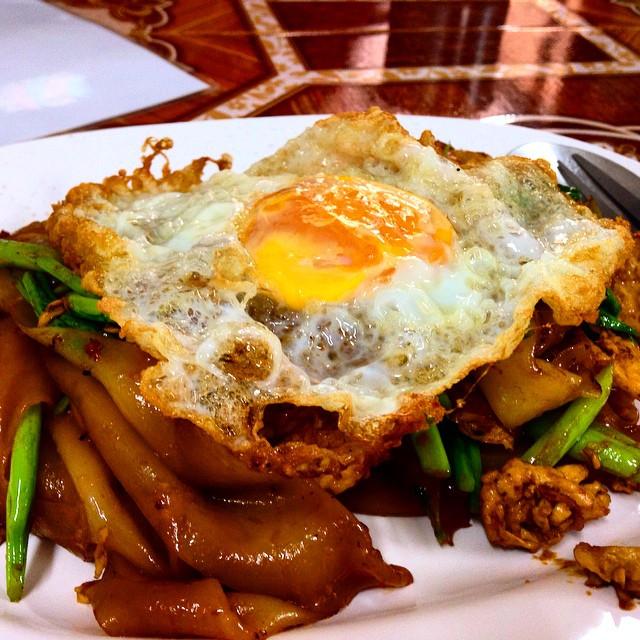 pad thai egg