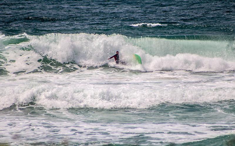 surfing in florianopolis luiz